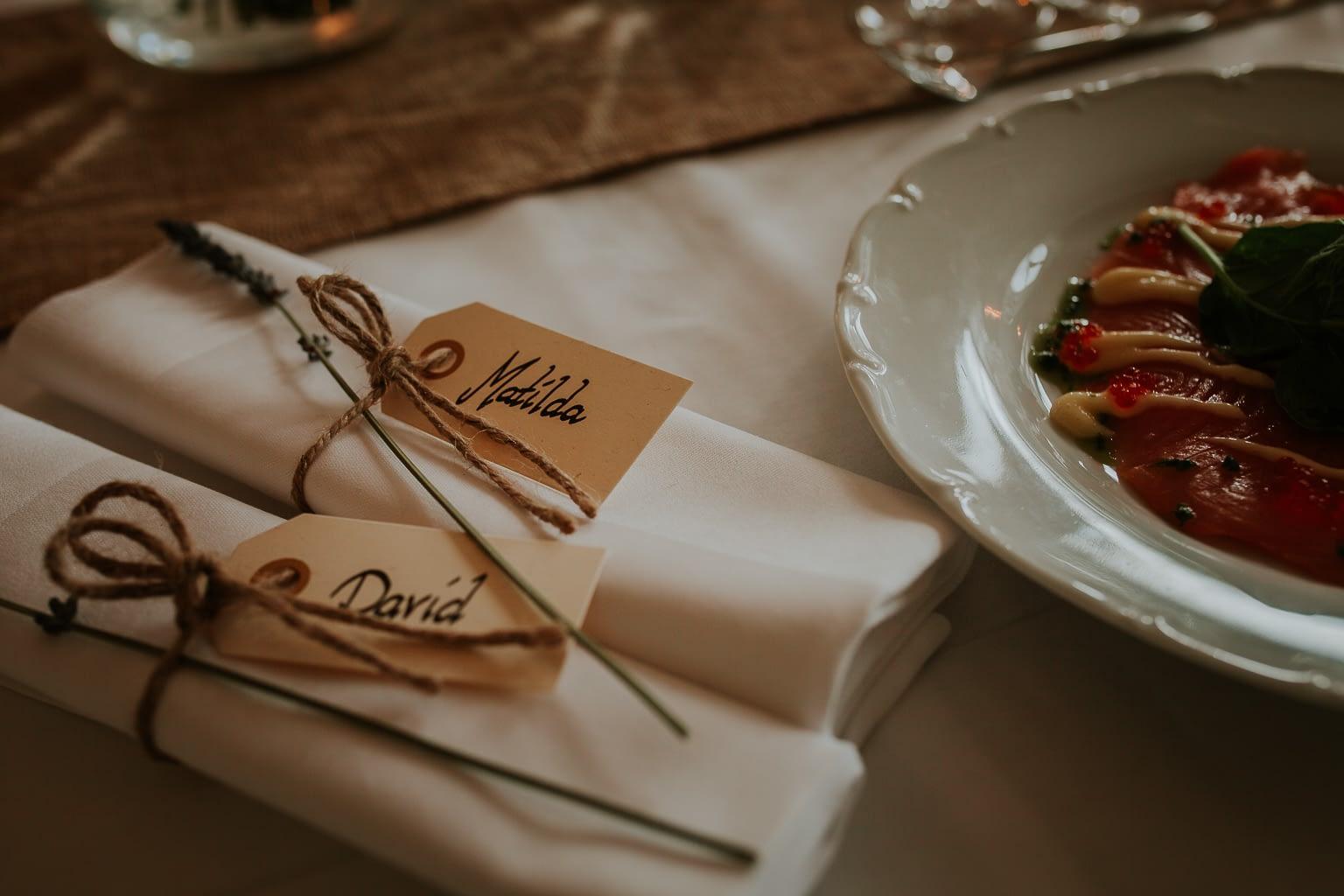 details du table dans diner du mariage