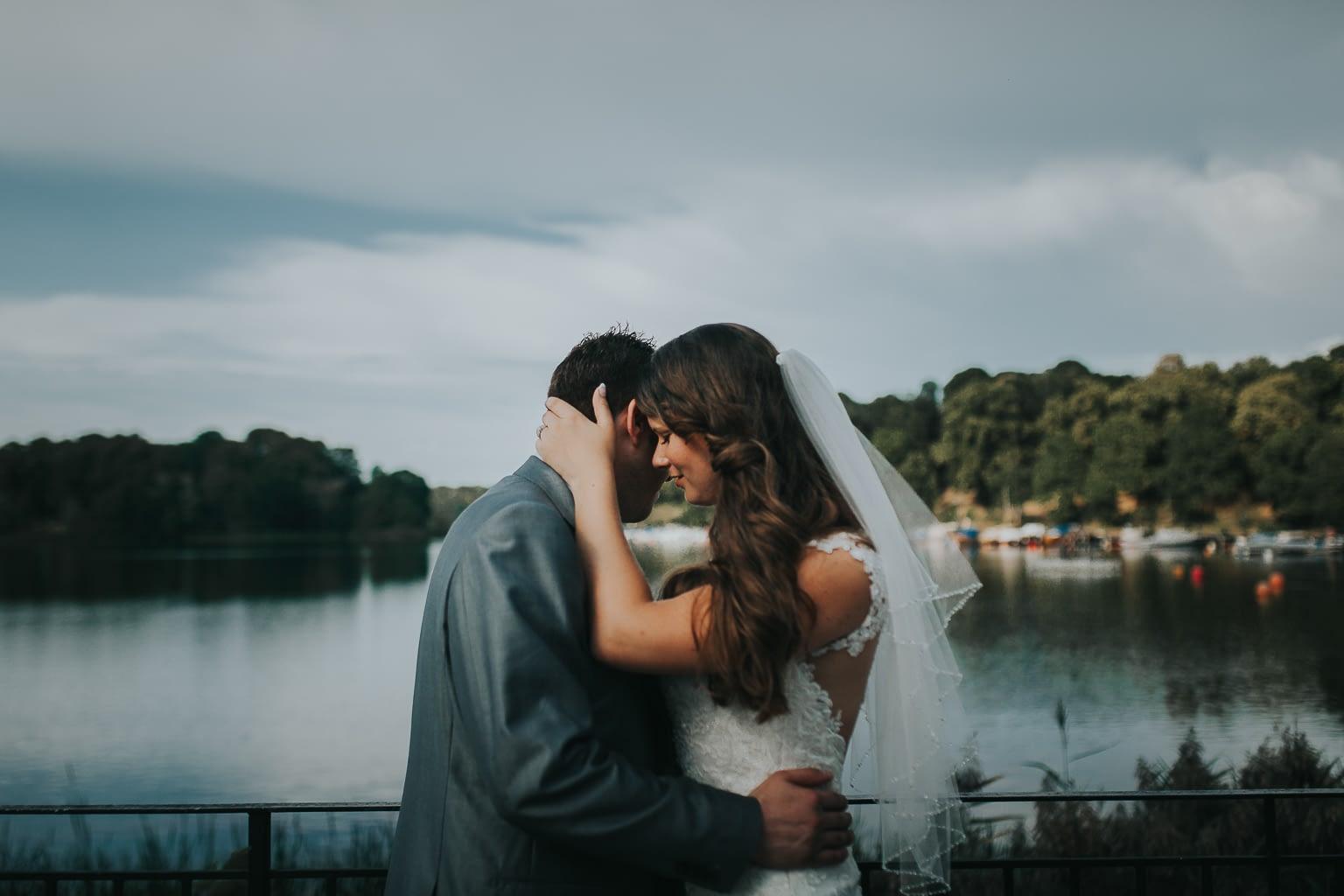 seance de portrait juste maries dans u lac