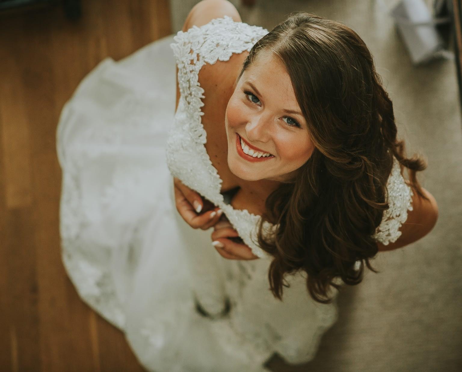 photographie original du mariee dans les preparatives de mariage